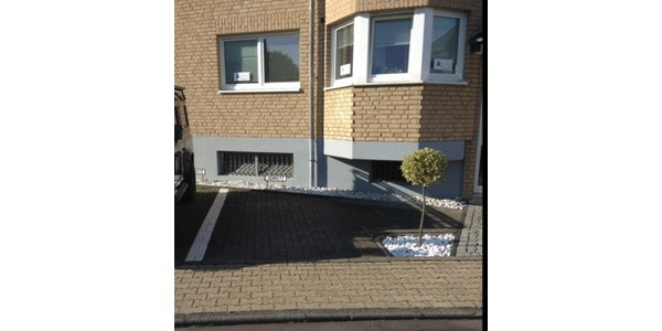 Parkplatz Paulinenweg 3a Köln